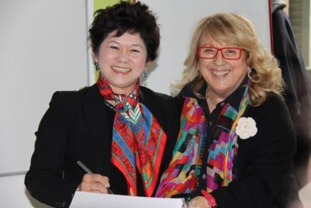 Mrs. Ng Gim Choo with Amelia Gambetti  Reggio Children International Network co-chairs